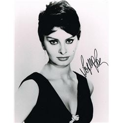 SOPHIA LOREN SIGNED PHOTOGRAPH.