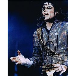 MICHAEL JACKSON ON STAGE SIGNED PHOTOGRAPH.