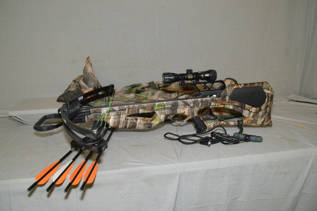 Barnett Crossbow Model Quad 400 w/ Next camo finish, quiver w/ four