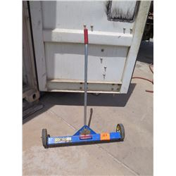 AJC 30-Inch Magnetic Sweeper