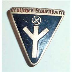 GERMAN NAZI DEUTSCHES FRAUENWERK WOMANS LABOR BADGE