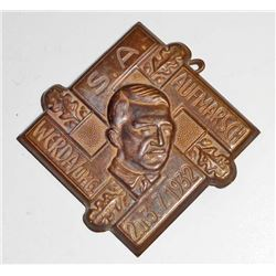 NAZI GERMAN DICTATOR ADOLF HITLER SWASTIKA TINNIE RALLY BADGE