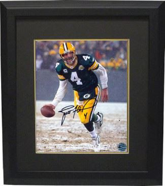d1aee11d88e Image 1   Brett Favre Signed Green Bay Packers 8X10 Photo (Green Jersey  Snow)