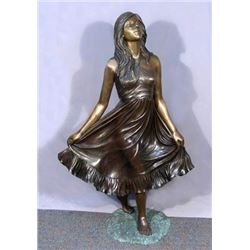 BEAUTIFUL LIFE SIZE BRONZE SCULPTURE OF YOUNG GIRL