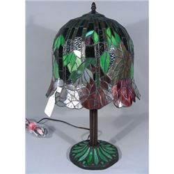 WISTERIA STYLE LEADED GLASS TABLE LAMP