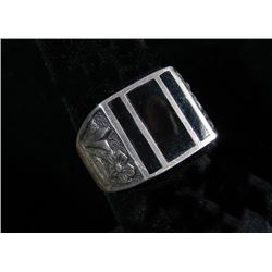GENTLEMEN'S STERLING SILVER AND ONYX RING
