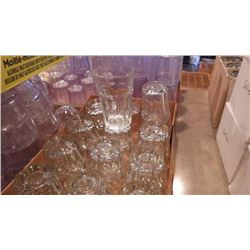 7 CASES OF VARIOUS BAR GLASSES PLUS 4 COORS LIGHT PITCHERS