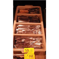 VARIETY OF CUTLERY TRAYS AND STEAK KNIVES