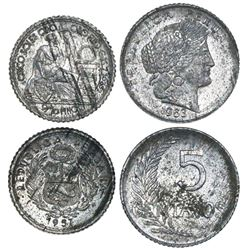 Lot of 2 Peruvian patterns in zinc (unlisted metal): 5 soles 1957 and 5 centavos 1963.
