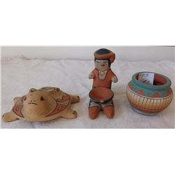 3 Pueblo Ceramic Items