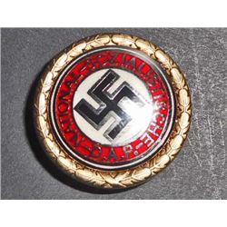 NAZI GERMAN NSDAP POLITICAL GOLDEN PARTY BADGE