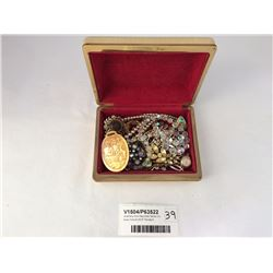 Jewellery Box Assorted Items Inc. Asian Scene MOP Pendant