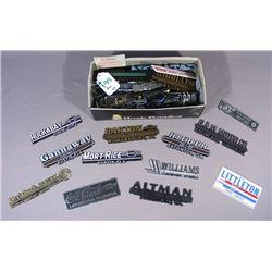BOX LOT OF NUMEROUS PLASTIC CAR DEALERSHIP NAME PLATES