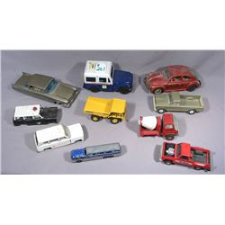BOX LOT VINTAGE MISC. METAL CARS AND TRUCKS