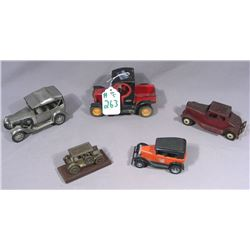 BOX LOT OF MANY VINTAGE METAL CLASSIC CARS