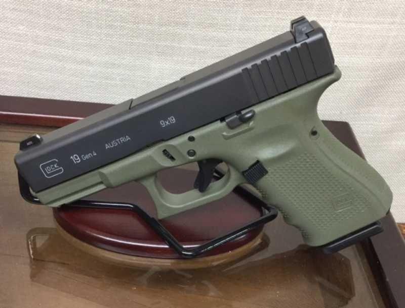 Glock 19 Gen 4 Battlefield Green Night Sights