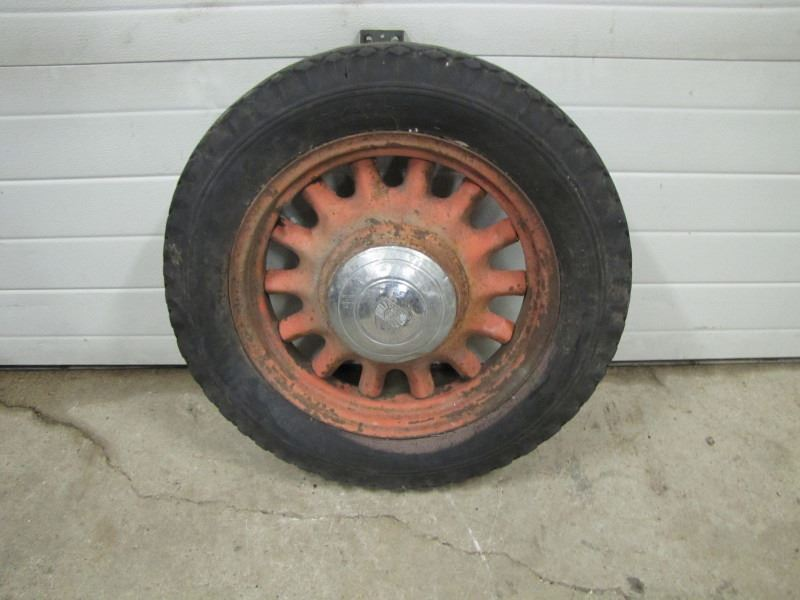 Metal Spoked Wheel Rim W Nash Hubcap No Shipping Pick Up