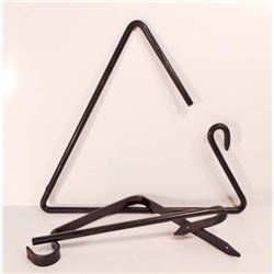 CAST IRON WALL MOUNT TRIANGLE DINNER BELL