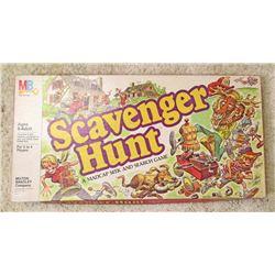 VINTAGE MB SCAVENGER HUNT BOARD GAME IN ORIG. BOX