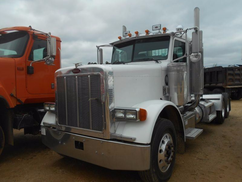 2006 PETERBILT 379 TRUCK TRACTOR, VIN/SN:1XP5DB9X26D889244 - T/A, 466 HP  CAT C15 ACCERT ENGINE, 18 S