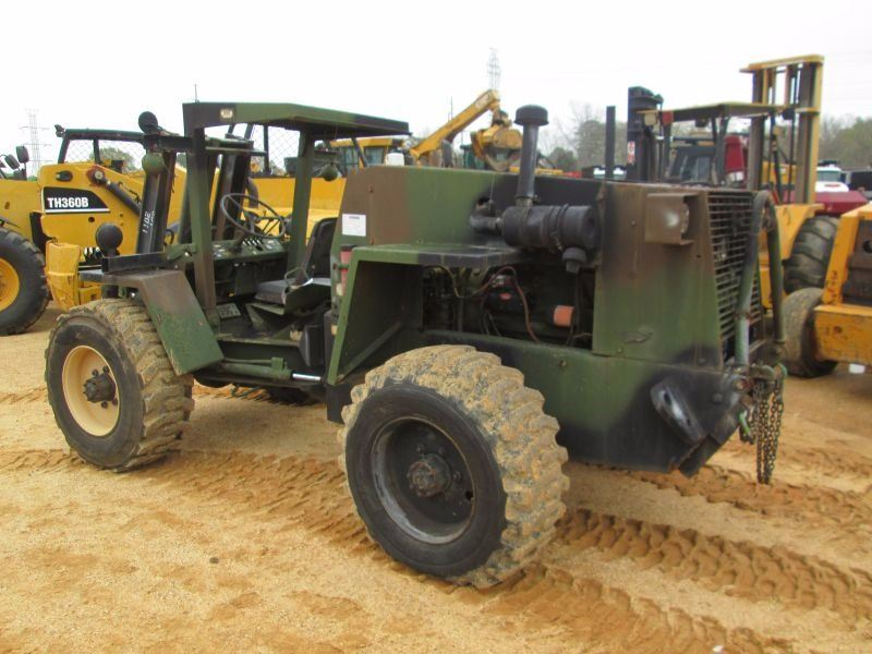 CASE MILITARY ROUGH TERRAIN FORKLIFT, VIN/SN:3930010764237 - 2 STAGE MAST,  4,000# CAP, METER READING