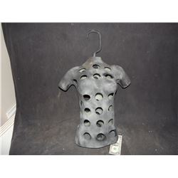 FEMALE F/X UNDER BUST USED FOR BLADDERS, IMPALEMENTS, OR WIRES.