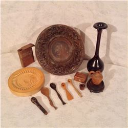 LOT OF CARVED WOODEN WARES AND MINIATURES