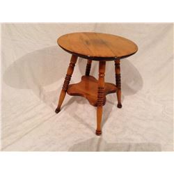 SMALL 2-TIER MAPLE OCCASIONAL TABLE