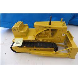 IHC Industrial TD25 Dozer