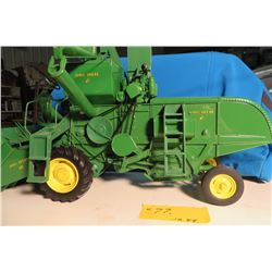 John Deere 45 combine w/ 310 2 row corn head *Detailed model*