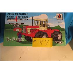 IH 4366 4X4 1/32 scale 2006 National Farm Toy Show