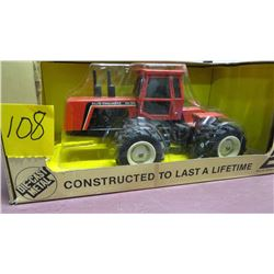 Allis Chalmers W-305 4x4 tractor 1/32 scale