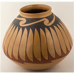 Mata Ortiz (Casas Grandes) Pot, Signed