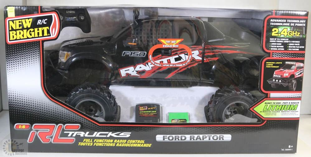b445b9b67386 Image 1   NEW 1 6 SCALE FORD RAPTOR 2.4GHz RC TRUCK ...