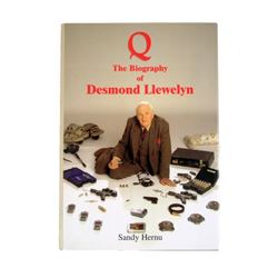 Q Biography Of Desmond Llewelyn Autographed Book Movie Props