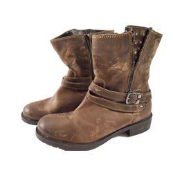 Falling Skies Lourdes's (Seychelle Gabriel) Boots