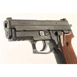 Sig Sauer P229 .40 Cal SN: AM155117