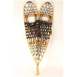Pair of Maine Snow Shoe