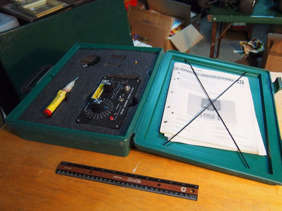 image 1 : caterpillar service tool, wiring harness tester group