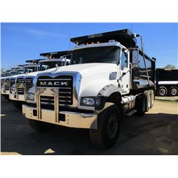 2017 MACK GU713 DUMP, VIN/SN:1M2AX07C4HM036547 - TRI-AXLE, 455 HP MACK MP8 ENGINE, ALLISON 4500 RDS