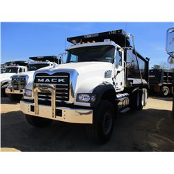 2017 MACK GU713 DUMP, VIN/SN:1M2AX07CXHM036603 - TRI-AXLE, 455 HP MACK MP8 ENGINE, ALLISON 4500 RDS