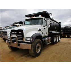 2018 MACK GU713 DUMP, VIN/SN:1M2AX07C5JM037101 - TRI-AXLE, 455 HP MACK MP8 ENGINE, MACK T310M 10 SPE