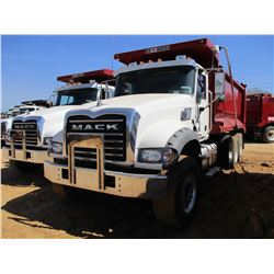 2017 MACK GU713 DUMP, VIN/SN:1M2AX07C7HM036588 - TRI-AXLE, 455 HP MACK MP8 ENGINE, ALLISON 4500 RDS