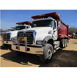 2017 MACK GU713 DUMP, VIN/SN:1M2AX07C9HM036589 - TRI-AXLE, 455 HP MACK MP8 ENGINE, ALLISON 4500 RDS