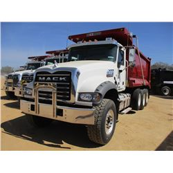 2017 MACK GU713 DUMP, VIN/SN:1M2AX07C7HM036591 - TRI-AXLE, 455 HP MACK MP8 ENGINE, ALLISON 4500 RDS