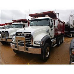 2017 MACK GU713 DUMP, VIN/SN:1M2AX07C9HM036592 - TRI-AXLE, 455 HP MACK MP8 ENGINE, ALLISON 4500 RDS