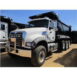 2017 MACK GU713 DUMP, VIN/SN:1M2AX07C1HM036571 - TRI-AXLE, 455 HP MACK MP8 ENGINE, ALLISON 4500 RDS