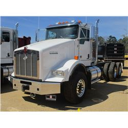 2018 KENWORTH T800 CAB & CHASSIS, VIN/SN:1NKDL40X6JJ205443 - T/A, 500 HP CUMMINS X15 ENGINE, ALLISON
