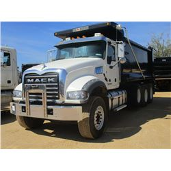 2017 MACK GU713 DUMP, VIN/SN:1M2AX07C4HM061450 - TRI-AXLE, 455 HP MACK MP8 ENGINE, ALLISON 4500 RDS