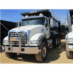 2017 MACK GU713 DUMP, VIN/SN:1M2AX07C6HM061451 - TRI-AXLE, 455 HP MACK MP8 ENGINE, ALLISON 4500 RDS